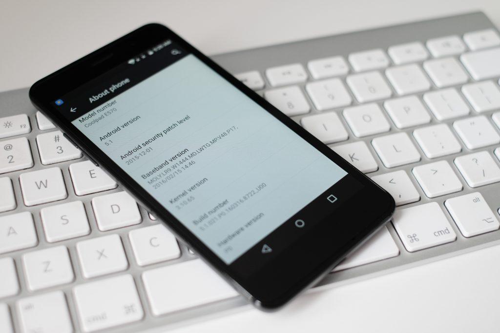 Coolpad Porto S - text message, making reservation in Autolevi car rental platform