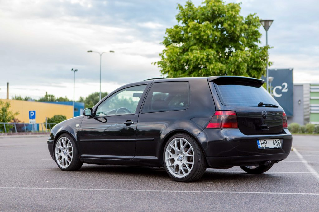 6 tips for stunning car photos-Autolevi-peer-to-peer-car-rental-bck-left