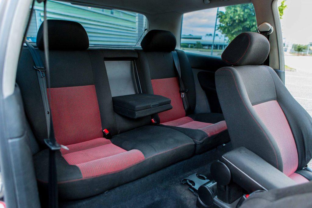 6 tips for stunning car photos-Autolevi-peer-to-peer-car-rental-interior